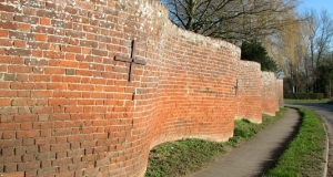Crinkle Crankle Wall